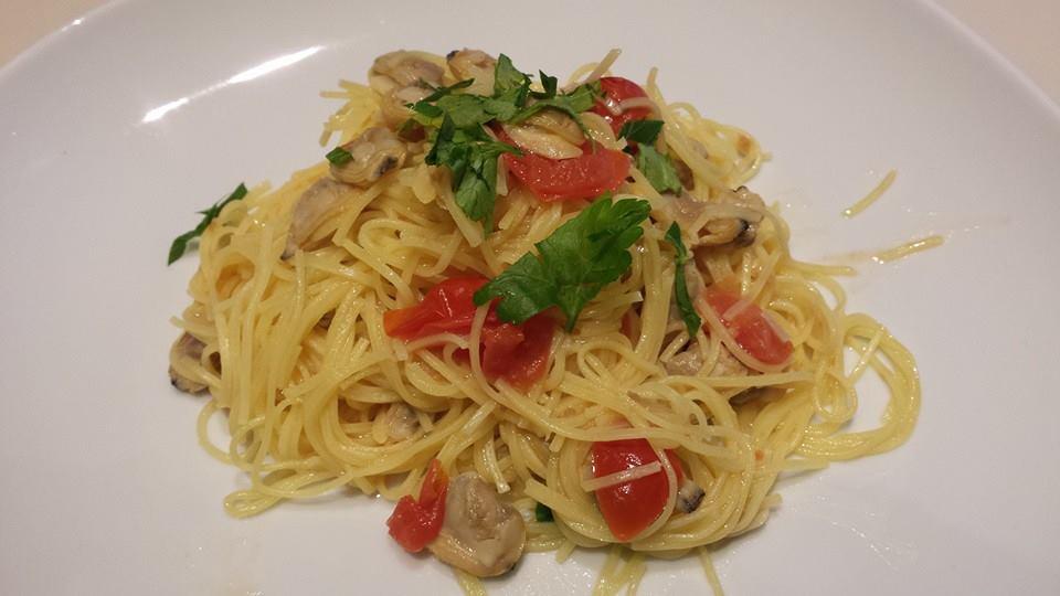 Taglionilini vongole e pomodorini